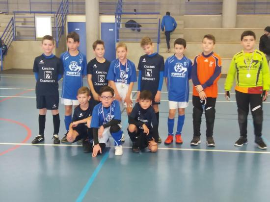 PHOTO U11 FINALISTES TOURNOI FUTSAL 7 JANVIER 2018